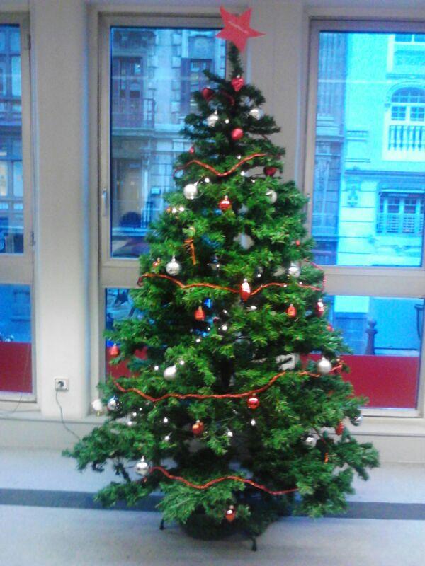 Posiblemente los rboles de navidad m s peculiares de internet hostalia blog - Arbol de navidad abeto ...