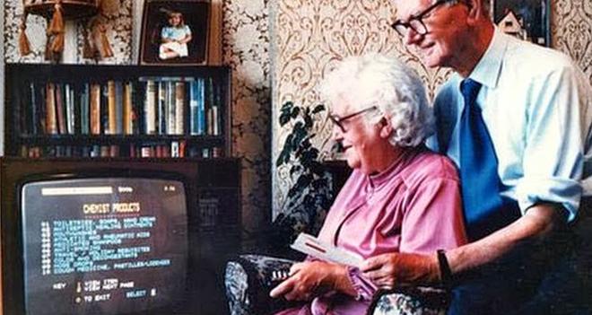 ¡La primera compra online la hizo una inglesa de 72 años! Vídeo e infografía sobre la historia del eCommerce