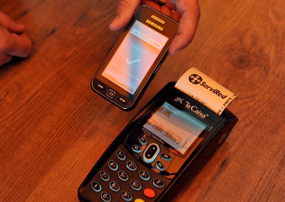El pago con móvil está a punto de despegar en España
