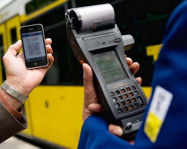 pago de billete desde smartphone - blog hostalia hosting