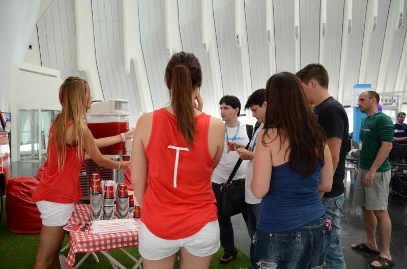 Granizados gratis en la furgoVPS de Hostalia Campus Party