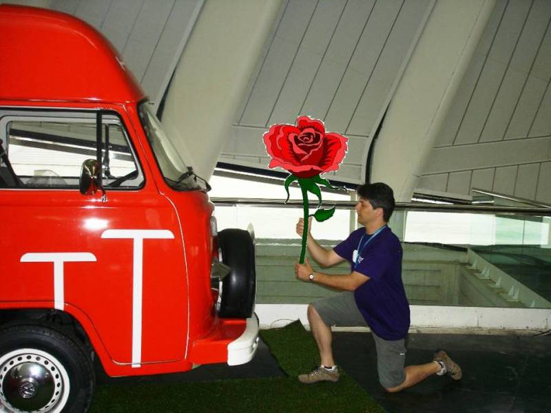 Una rosa para la furgo-casa de Hostalia